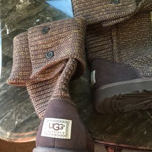 Cable knit brown and gold Uggboots